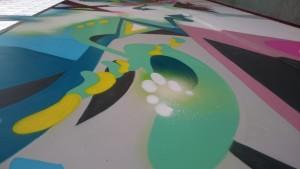 Taideakatemia tekemä graffitihenkinen tilateos