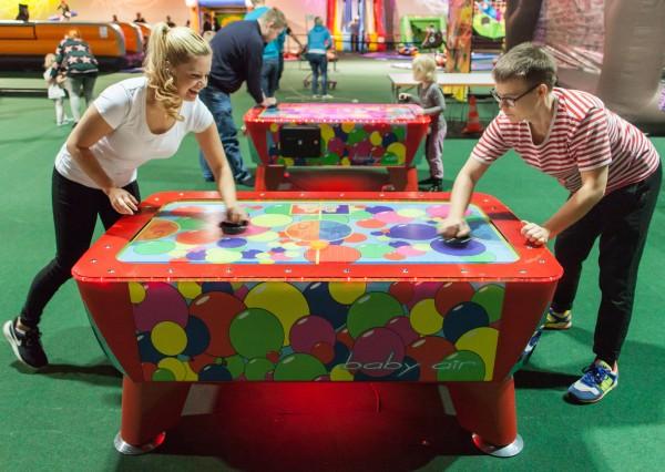 Lasten ilmakiekkopeli